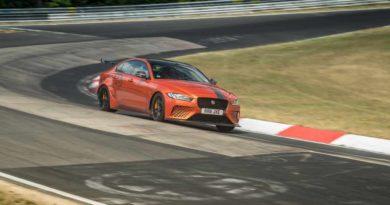Jaguar XE SV Project 8 побил собственный рекорд скорости