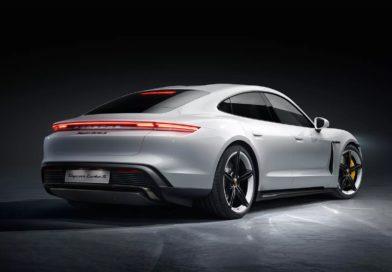 Porsche официально представила свой первый электромобиль: Taycan